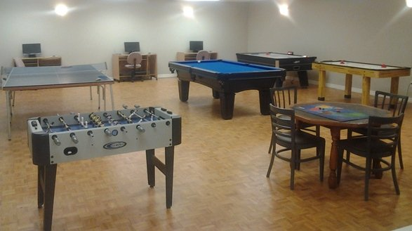 CHRC-Amenities-games-tables-sm